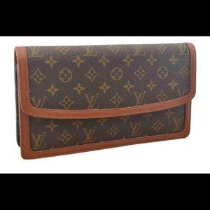 Louis Vuitton monogram canvas pochette dame